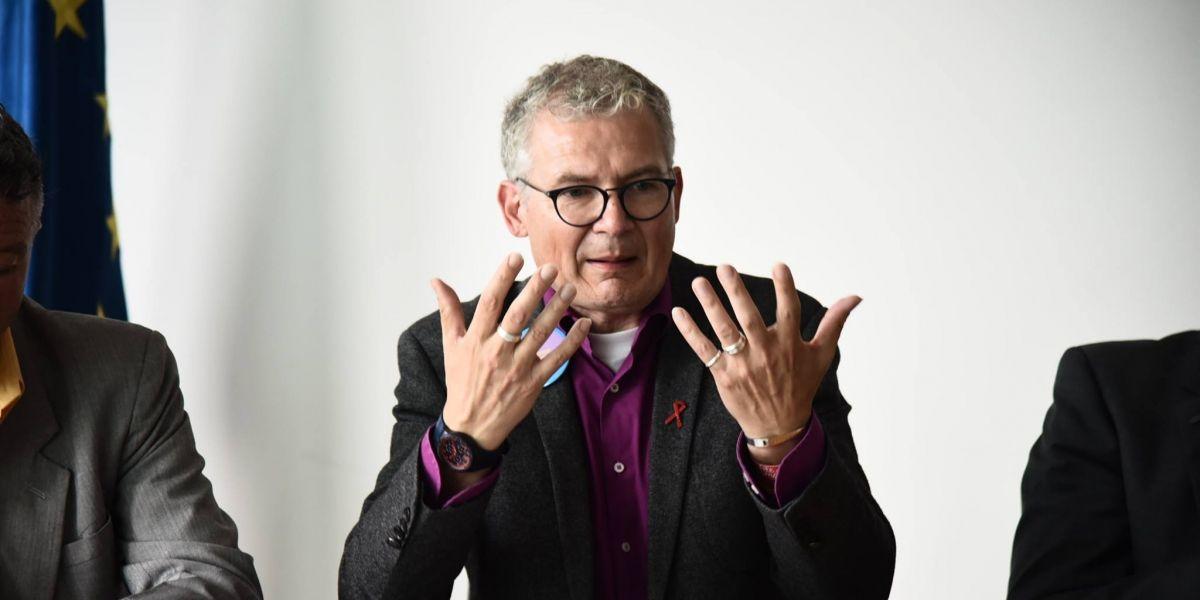 Harald Petzold, diputado alemán, habla sobre seis aspectos de la comunidad LGTBI