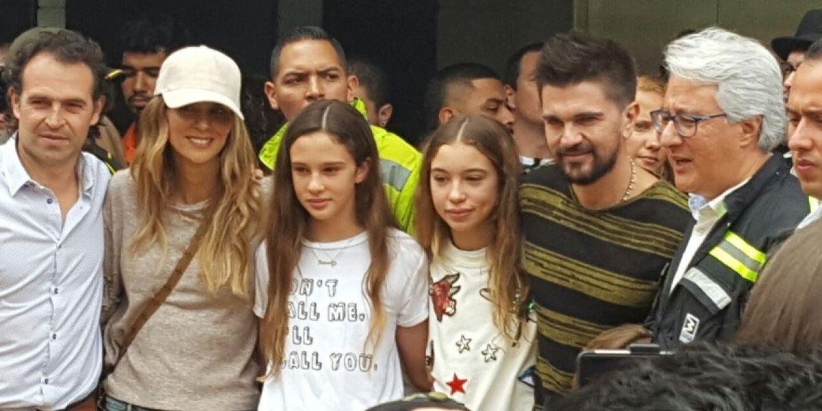Juanes volvió a Medellín y recorrió la ciudad en su propio vagón del Metro