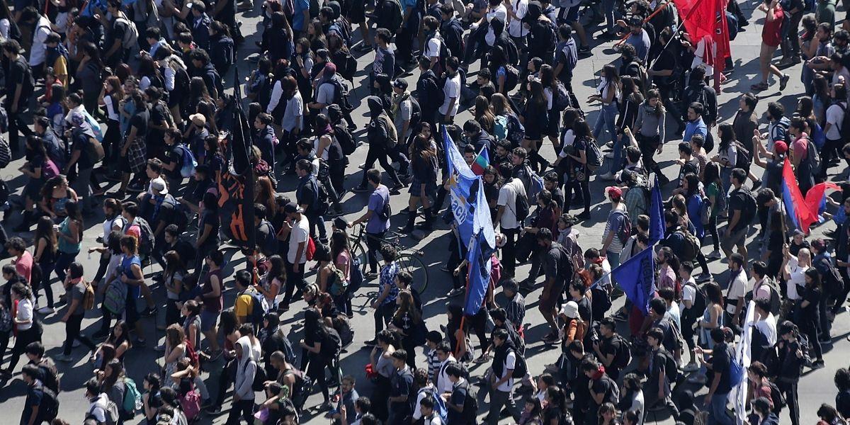 Conoce los desvíos por la marcha convocada por la Confech de este martes
