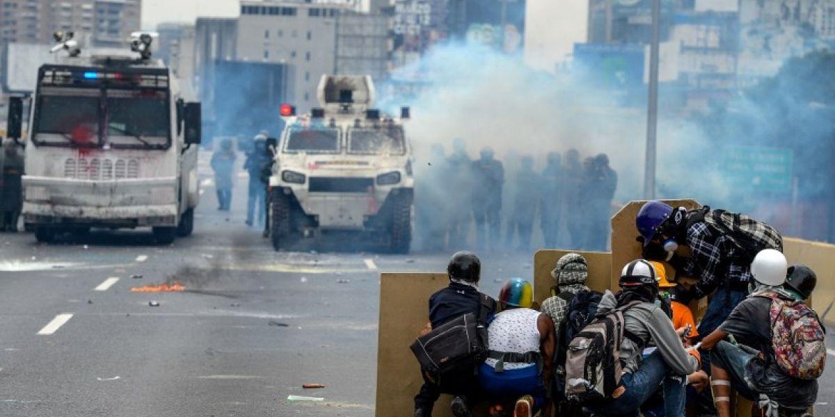 """Venezuela: Convocan a """"La marcha de la M…"""" para responder a neutralizaciones de gas lacrimógeno"""