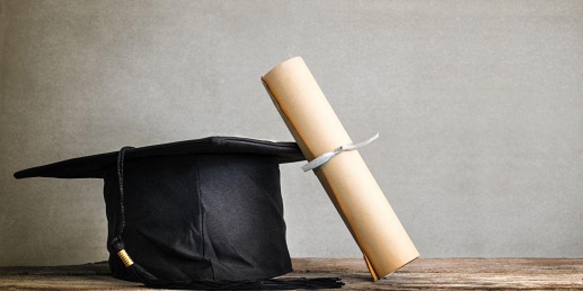 Buscan establecer nuevo requisito de graduación a estudiantes de cuarto año
