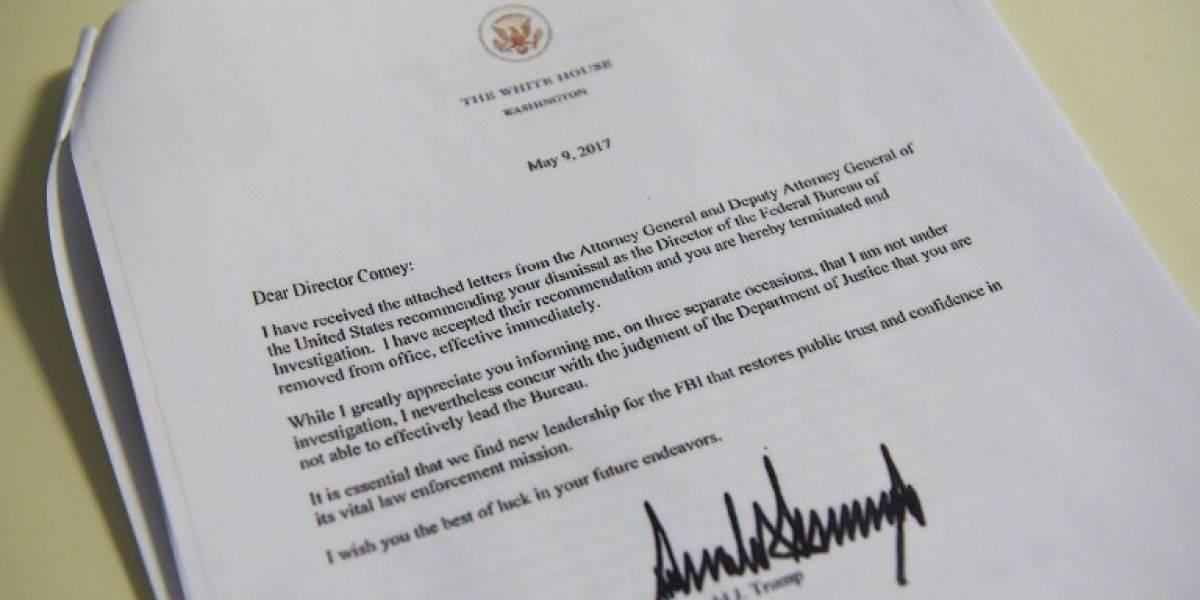 Esta es la fría carta de despido que Trump le escribió al director del FBI James Comey