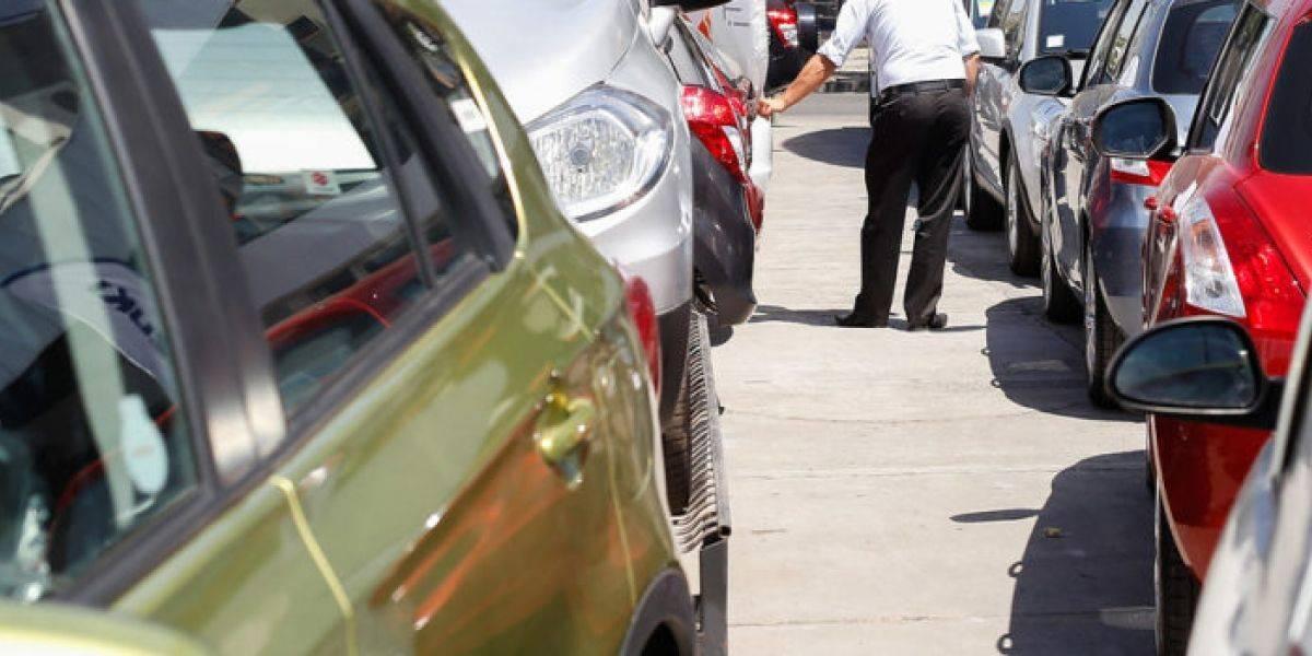 Abril marca cuarto mes consecutivo al alza en venta de autos nuevos