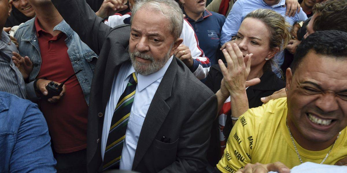 Brasil: Ex presidente Lula da Silva declara por supuesta corrupción