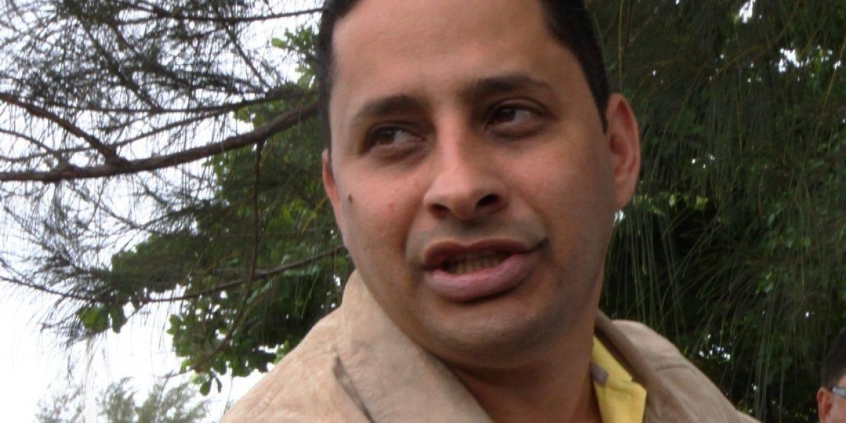 Alcalde de Arecibo impone más recortes a empleados