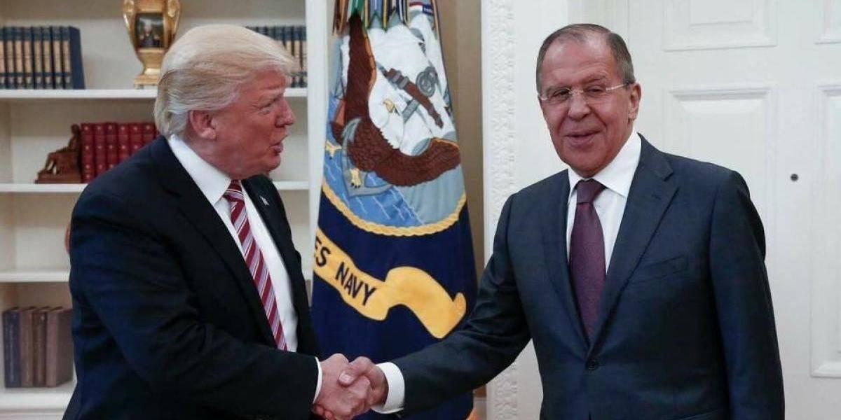 Trump pide a Rusia más control a Irán y a Asad para solución en Siria