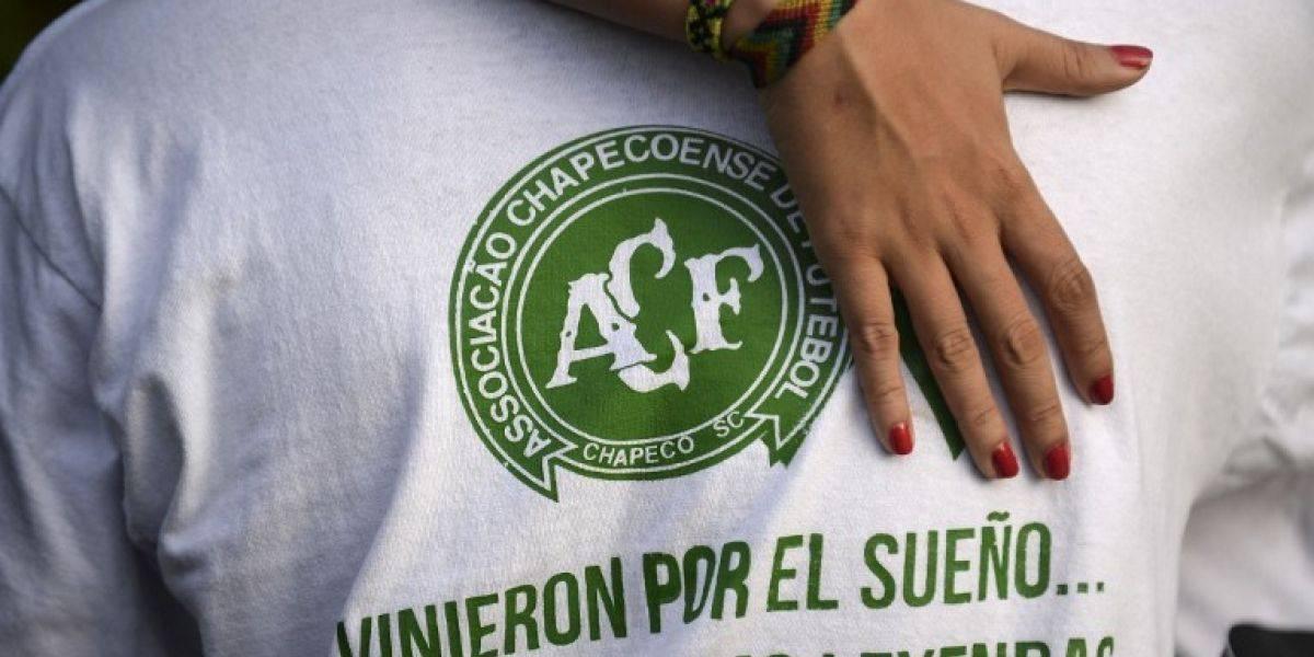 Sobrevivientes de Chapecoense visitan sitio de tragedia aérea en Colombia