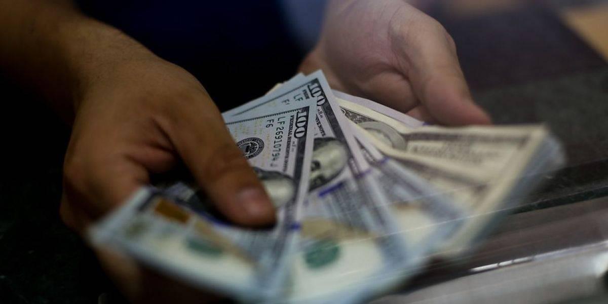 Precio del dólar registró abrupta caída