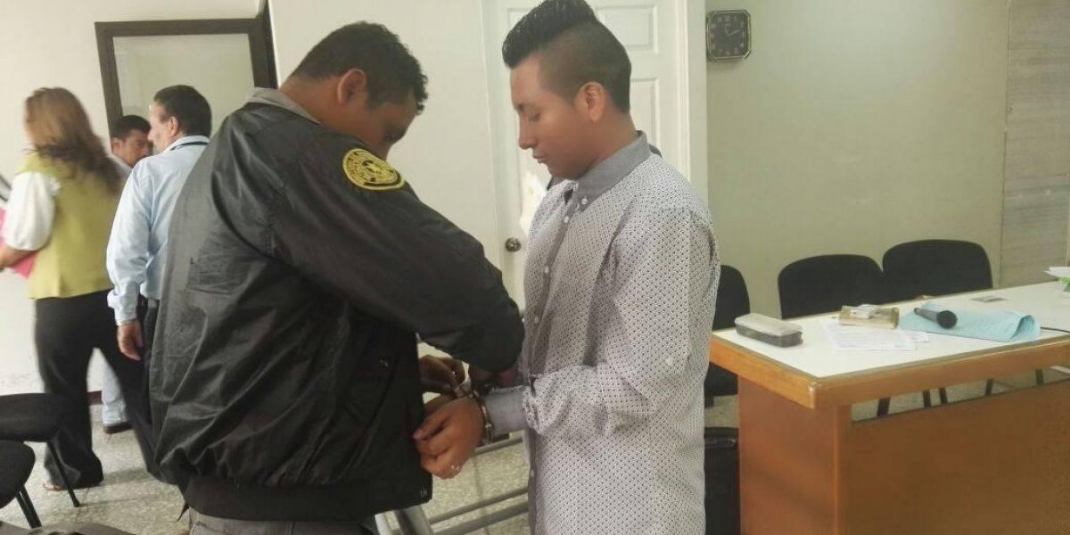 En juicio por intervenir en pelea y acuchillar a un motorista