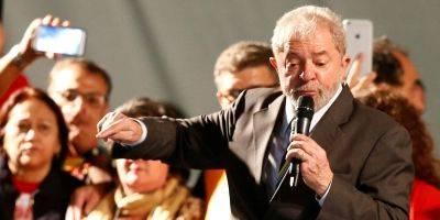 Após cinco horas, termina depoimento de Lula ao juiz Sérgio Moro
