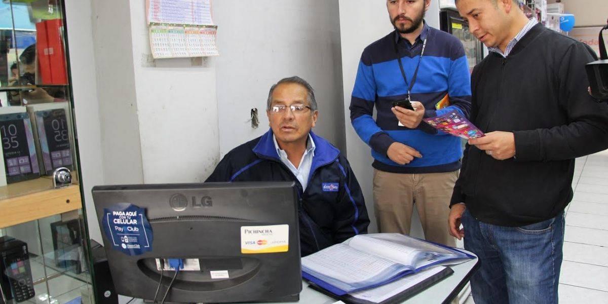 Intendencia de Policía de Azuay verifica las ofertas por el Día de la Madre