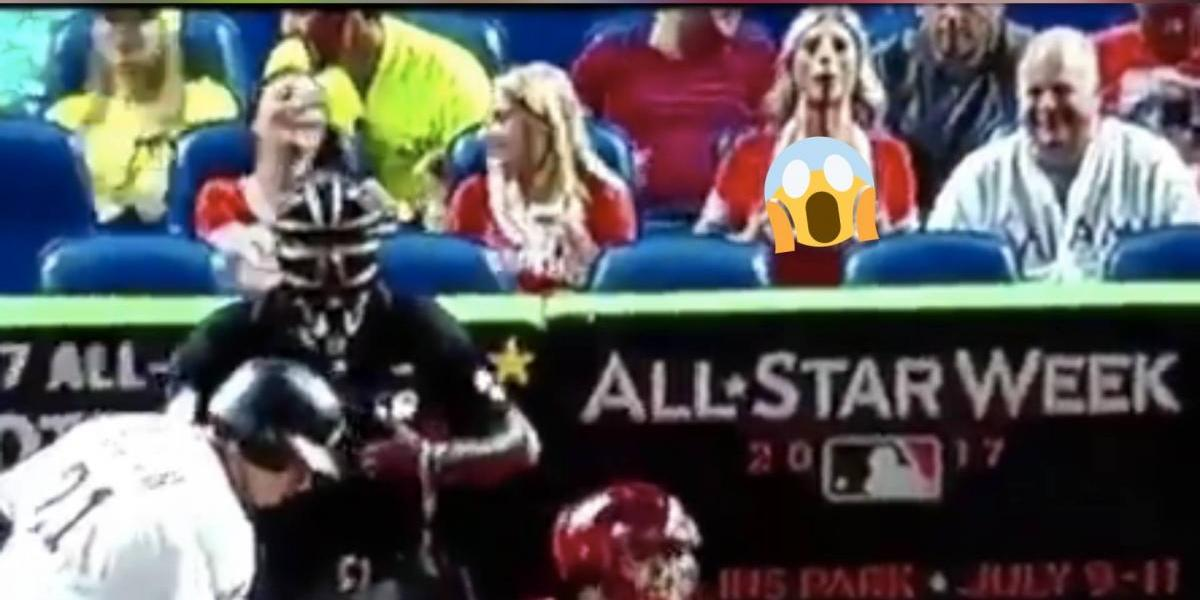 VIDEO: Aficionada muestra los senos para distraer a un pitcher en la MLB