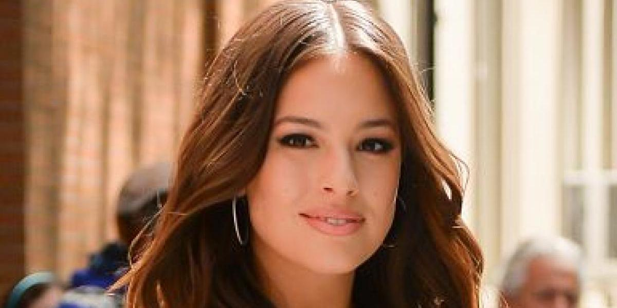 Ashley Graham fue captada con vestido transparente caminando en NY