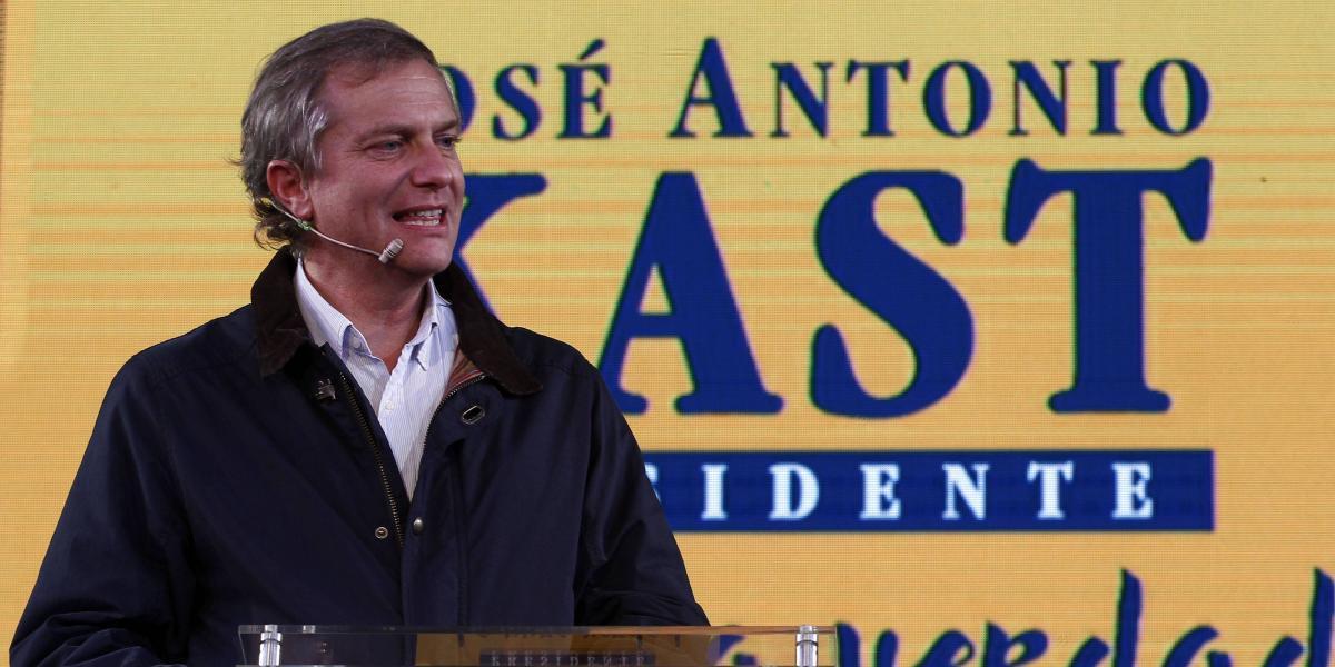 """Ex UDI José Antonio Kast lanzó campaña presidencial con lema """"La pura verdad"""""""