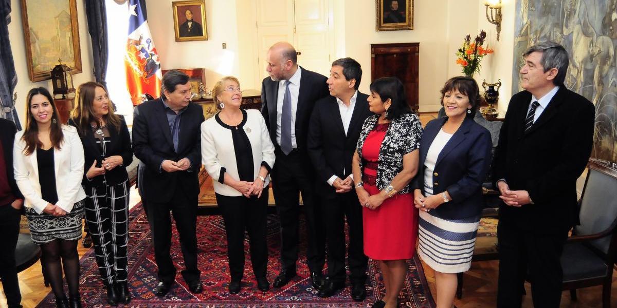 """""""Socialismo concesionado"""": Revisa las reacciones del mundo político por las polémicas inversiones del PS"""