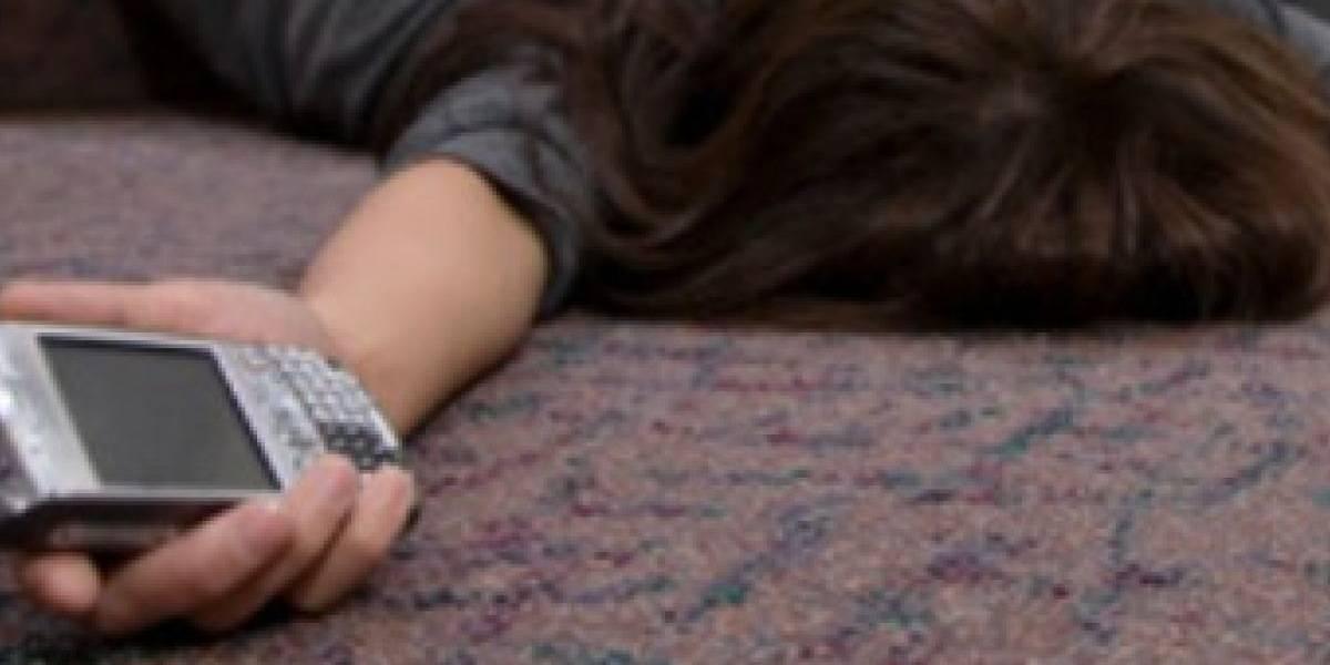 Mujer muere en Marruecos al explotar el cargador del celular