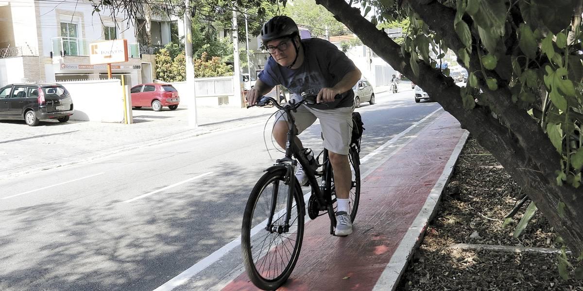 Atendimento pelo 156 para poda de árvores e tapa-buracos sobe apenas 6% em São Paulo