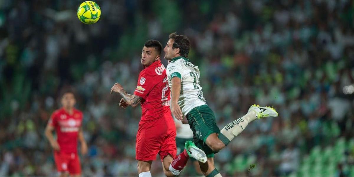 Triverio y Sambueza reaparecieron ante Santos tras sus suspensiones