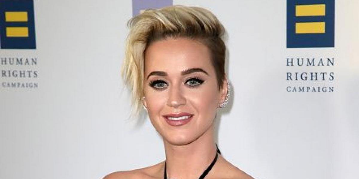 Katy Perry disfruta de unas vacaciones en México luciendo un diminuto bikini