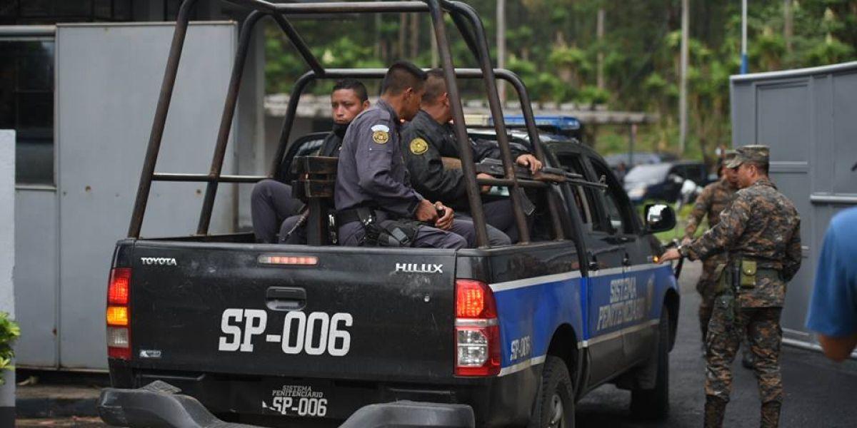 """EN IMÁGENES. Autoridades realizan operativo en Mariscal Zavala tras fuga de """"La Patrona"""""""
