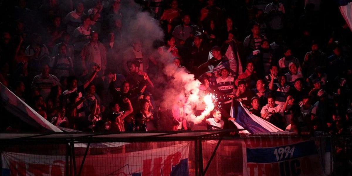 Conmebol sancionó a la UC por una bengala encendida en duelo ante San Lorenzo