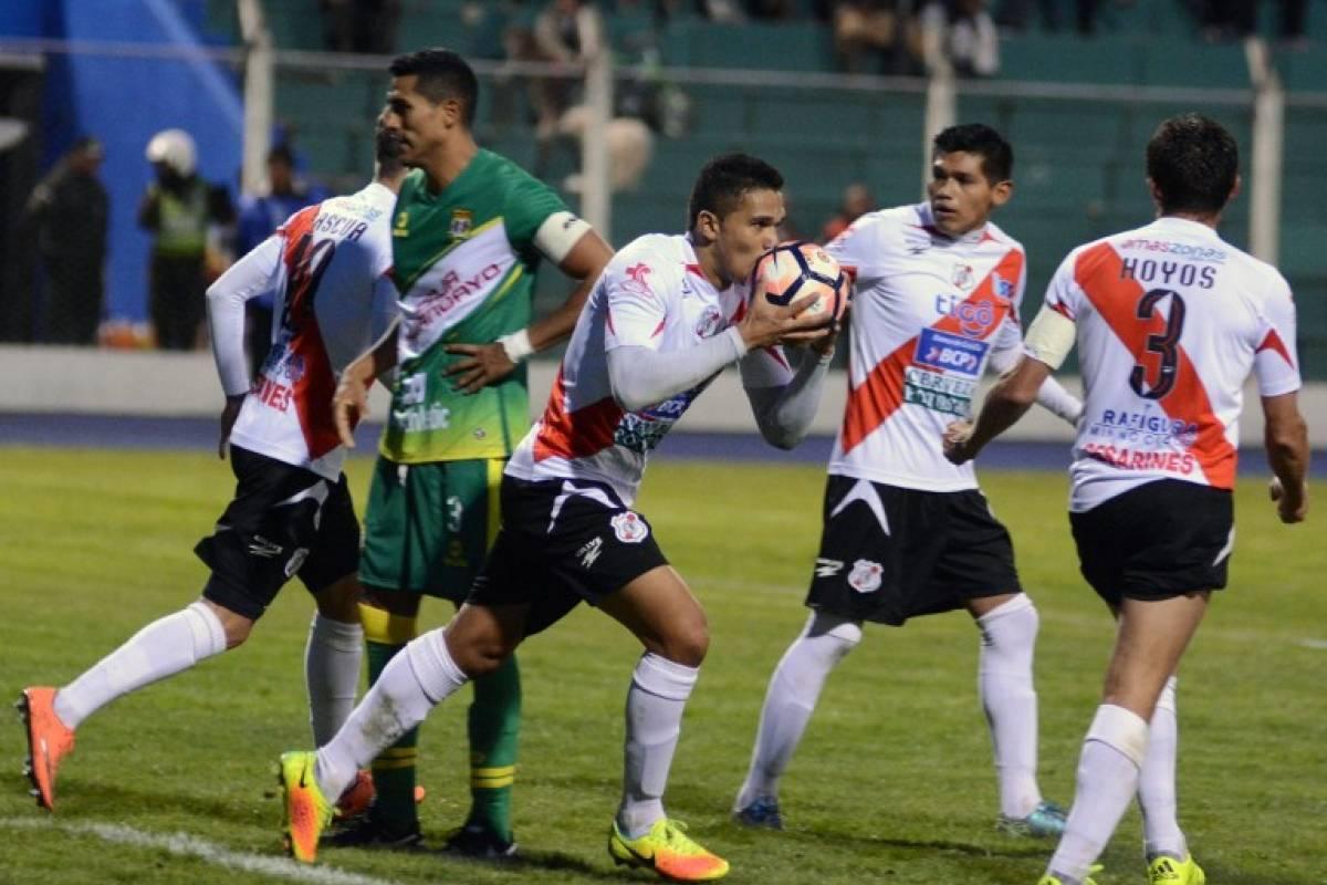 Nacional de Potosí (Bolivia). Superó por 4-3 en el global a Sport Huancayo (Perú) en la primera ronda / AFP