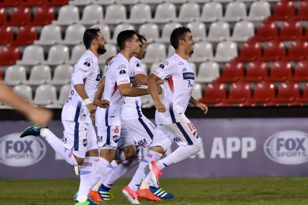 Sport Recife (Brasil). Igualó 3-3 en el global ante Danubio (Uruguay) en primera ronda, pero desniveló en penales / AFP