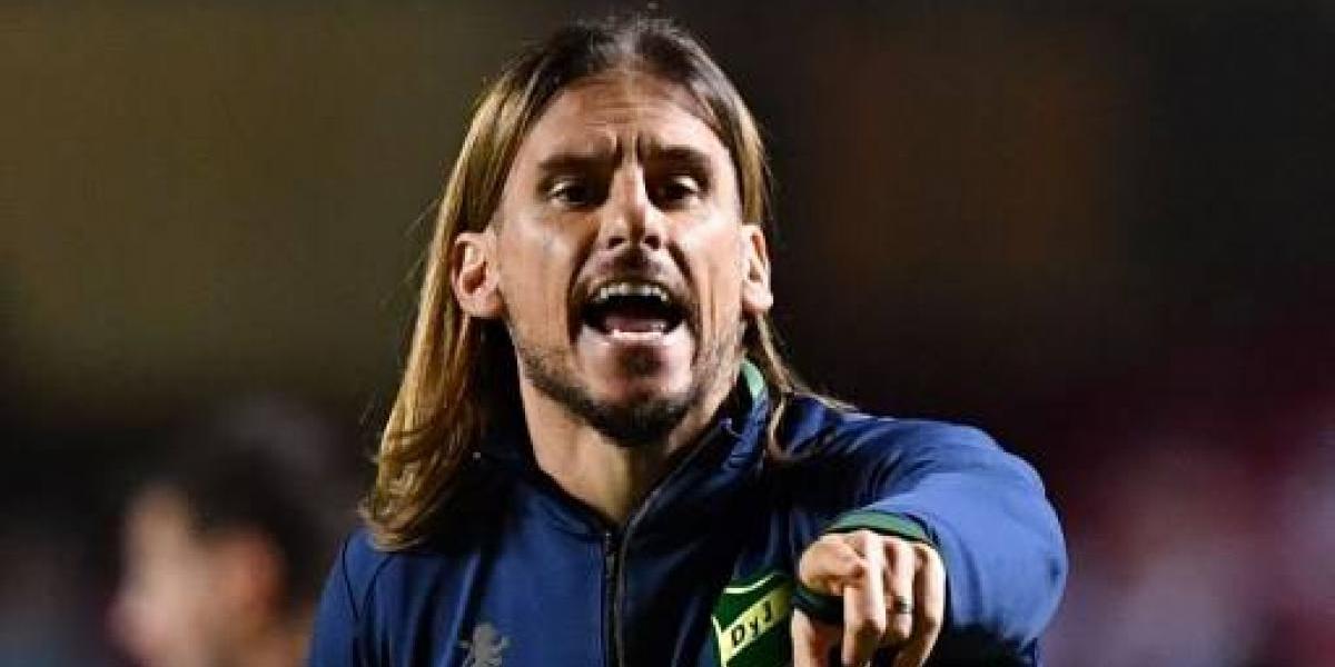 Beccacece se va de Defensa y se acerca a Independiente