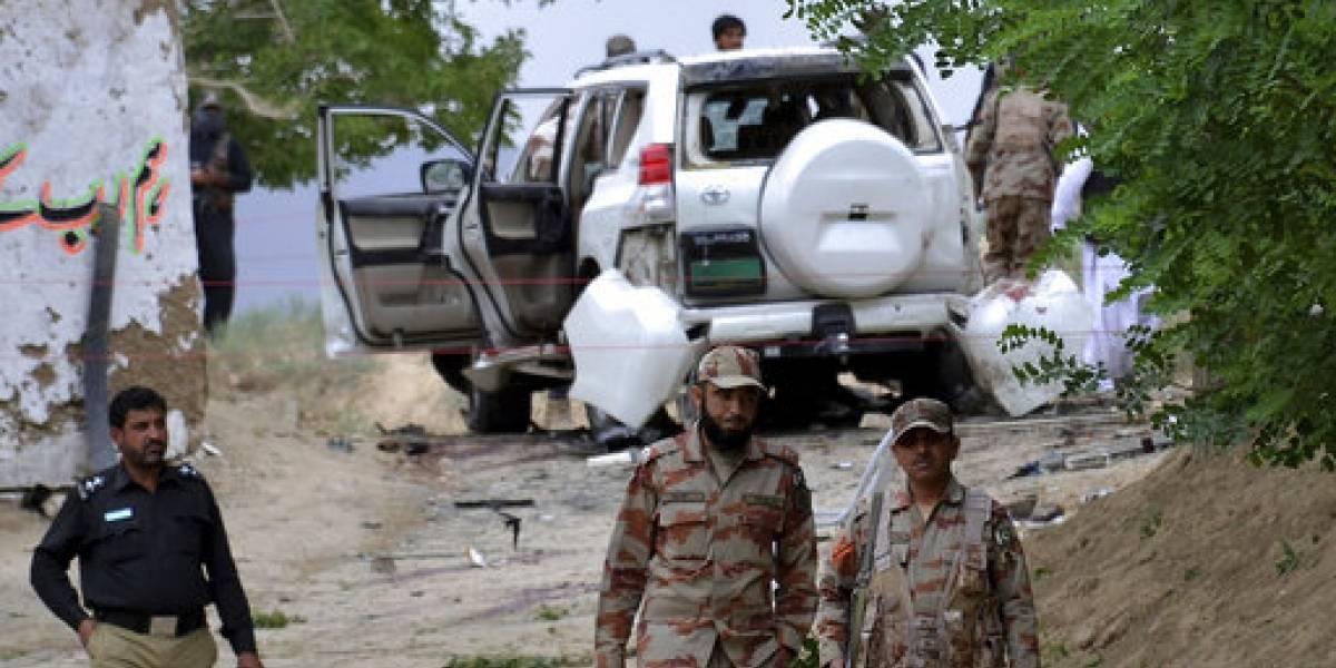 Mueren 25 tras atentado contra senador en Pakistán