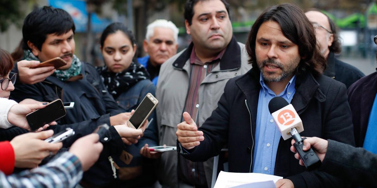 Mayol propone nacionalizar El Mercurio y restringir la propiedad de los medios de comunicación