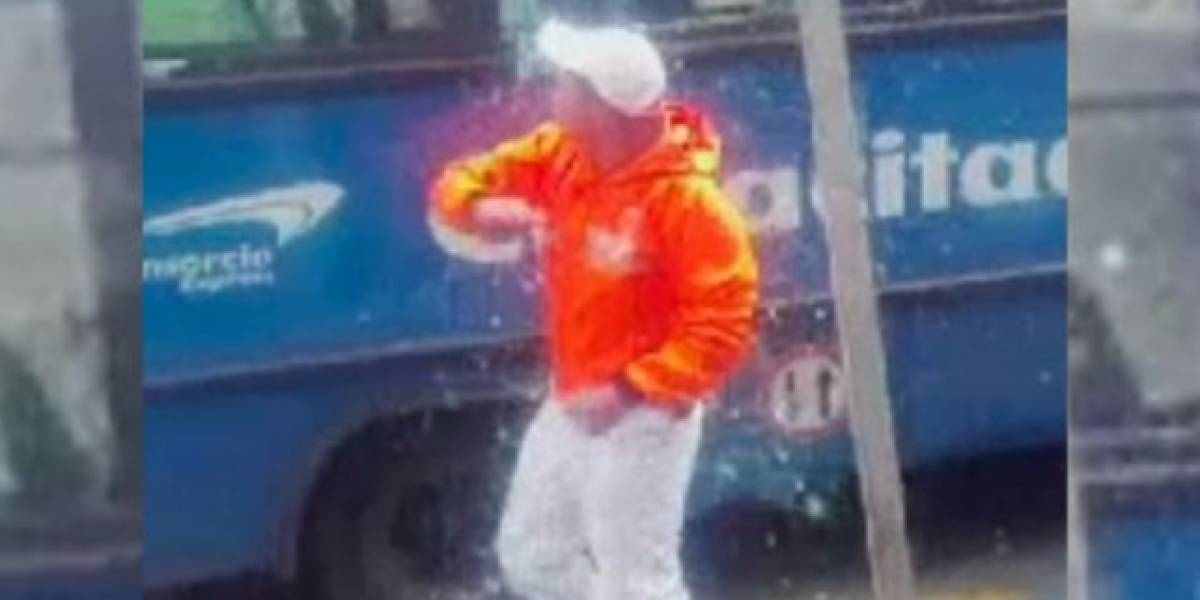 Motociclista rompió todos los vidrios de bus del SITP luego que chocaran