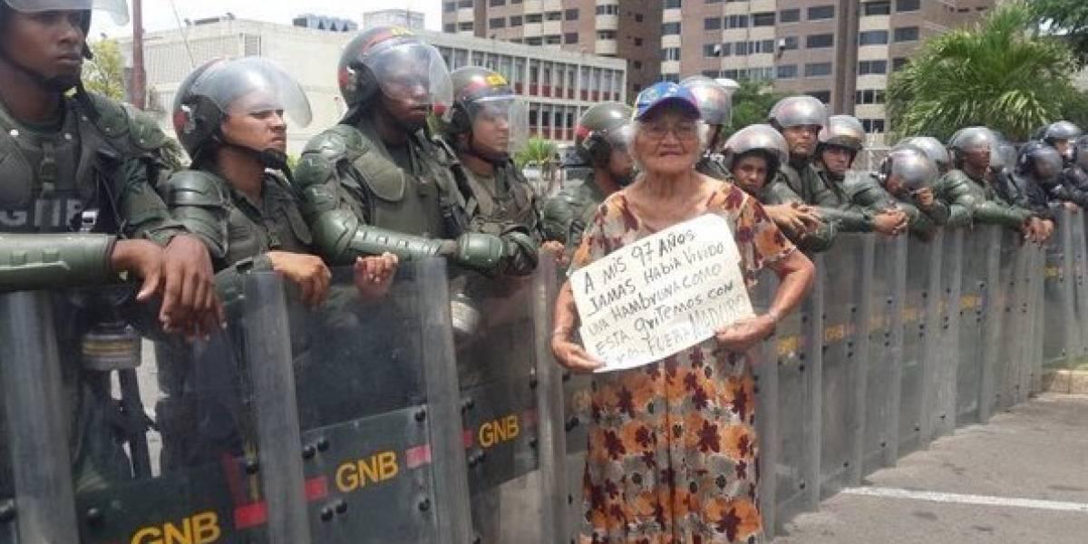 """Oposición venezolana convoca para este viernes a la """"marcha de los abuelos"""""""