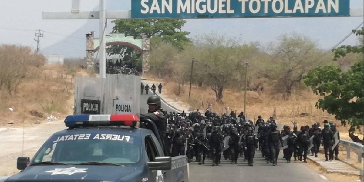 Diez detenidos deja enfrentamiento entre militares y autodefensas en Guerrero