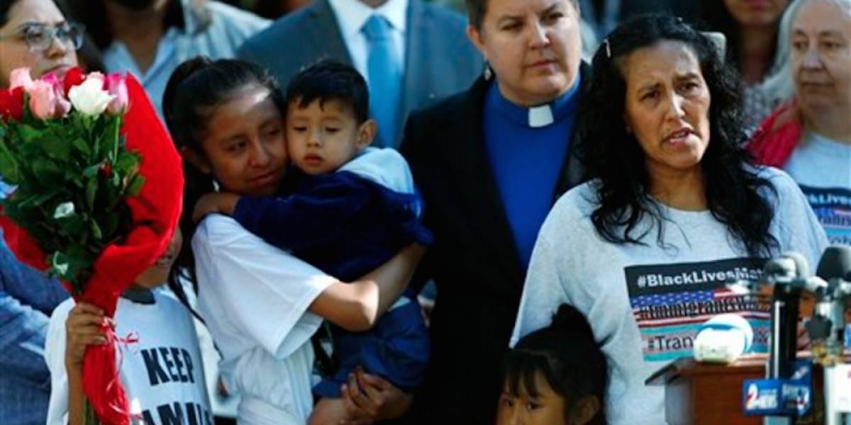 Indocumentada refugiada en una iglesia aplaza deportación y queda en libertad