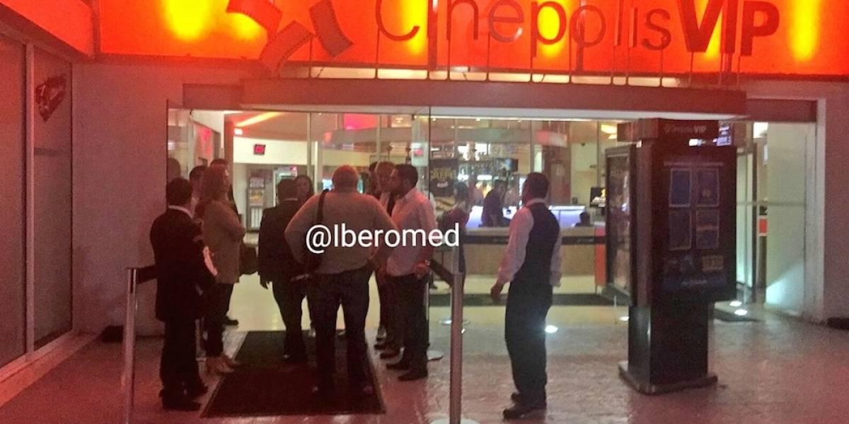 Roban bolsas y celulares a personas dentro del Centro Comercial Interlomas