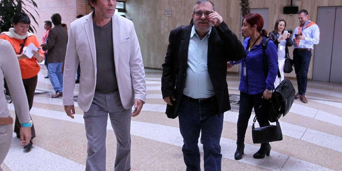 Raúl Castro sostiene encuentros con delegaciones de Farc y ELN en La Habana