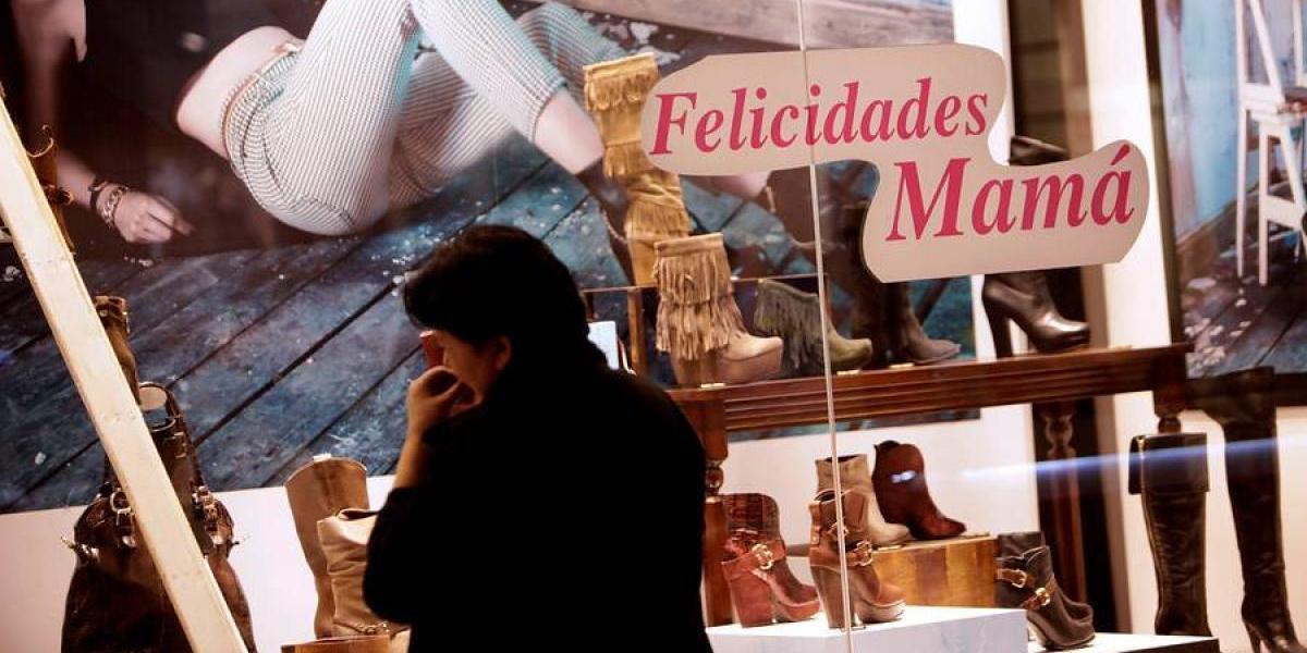 Día de la Madre: Sernac denuncia a cuatro empresas por detectar infracciones en su publicidad