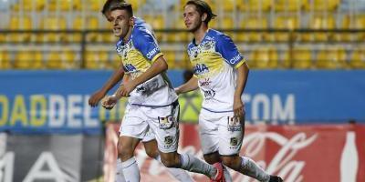 Everton venció a Huachipato y Cerato se despidió de Sausalito