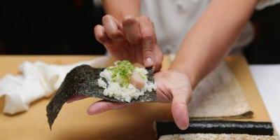 Este es el parásito que podría estar en tu plato de sushi