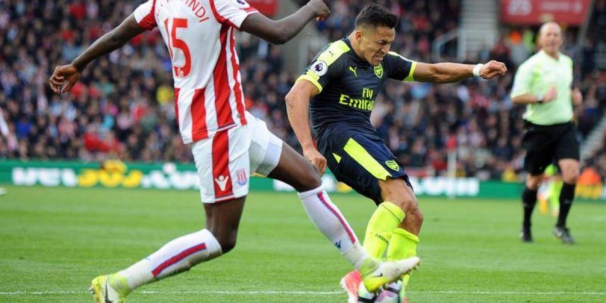 ¡No perdona! El gol de Alexis en la goleada del Arsenal sobre Stoke City