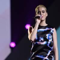 "Confunden a esta artista con Katy Perry en el video de ""Not the End Of the World"""