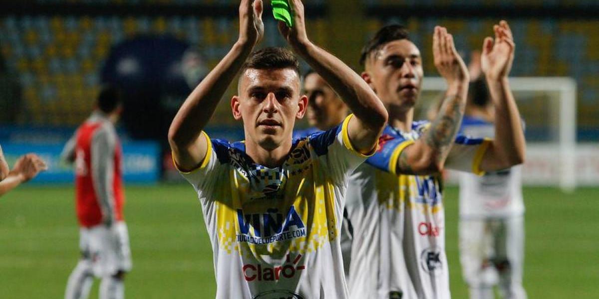 """Un emocionado Maxi Cerato se despide de Everton: """"Volveré, porque ésta es mi casa"""""""