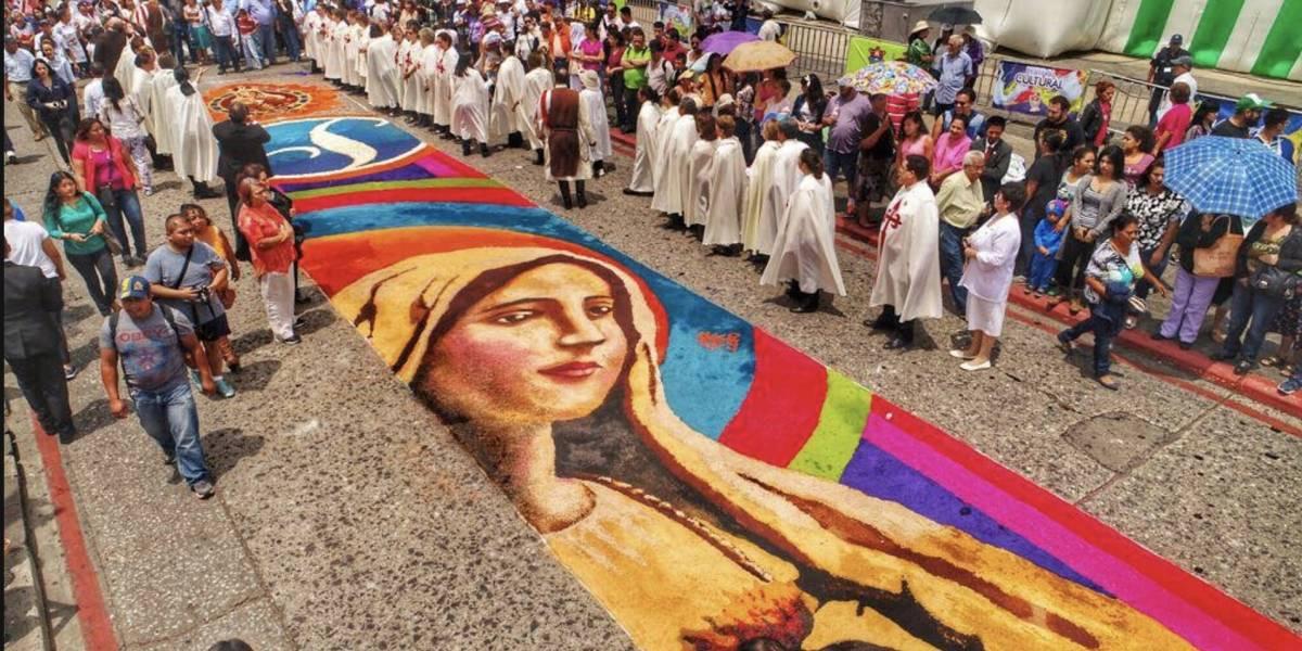 Espectaculares imágenes de la bella alfombra de la Virgen de Fátima en el Centro Histórico