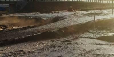 Miles personas aisladas y graves daños por un fuerte temporal