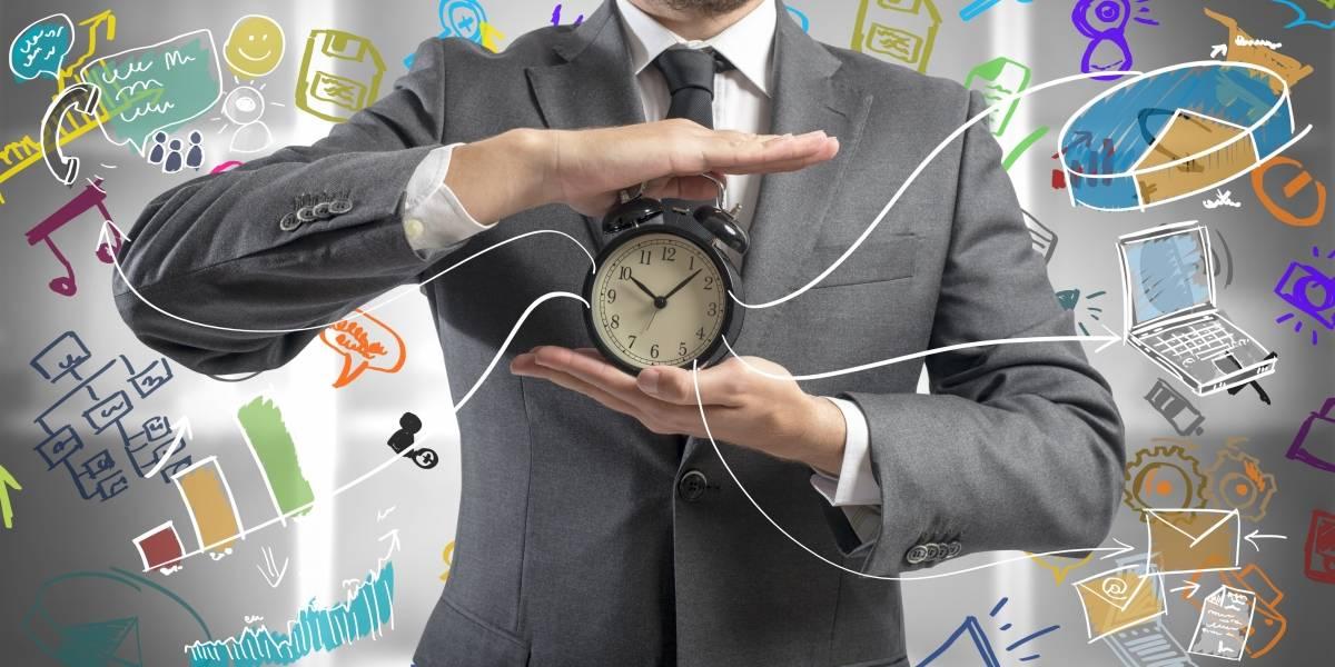 ¿Cómo controlar las manecillas del reloj?