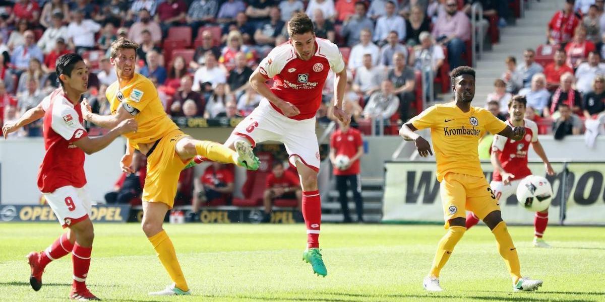 Fabián y el Eintracht sufren tremenda goleada en la Bundesliga