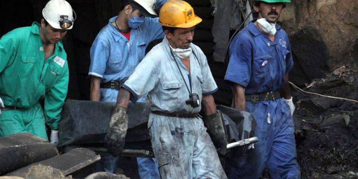 Mueren dos obreros que quedaron atrapados en una mina de carbón en Boyacá