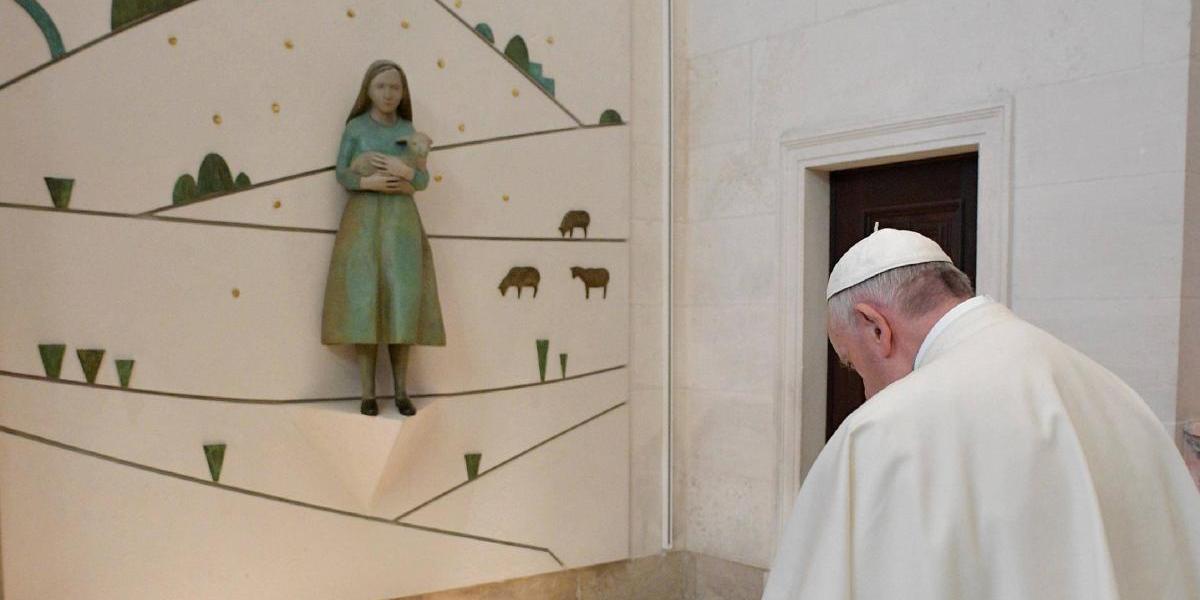Papa Francisco canoniza a dos pastorcitos de Fátima