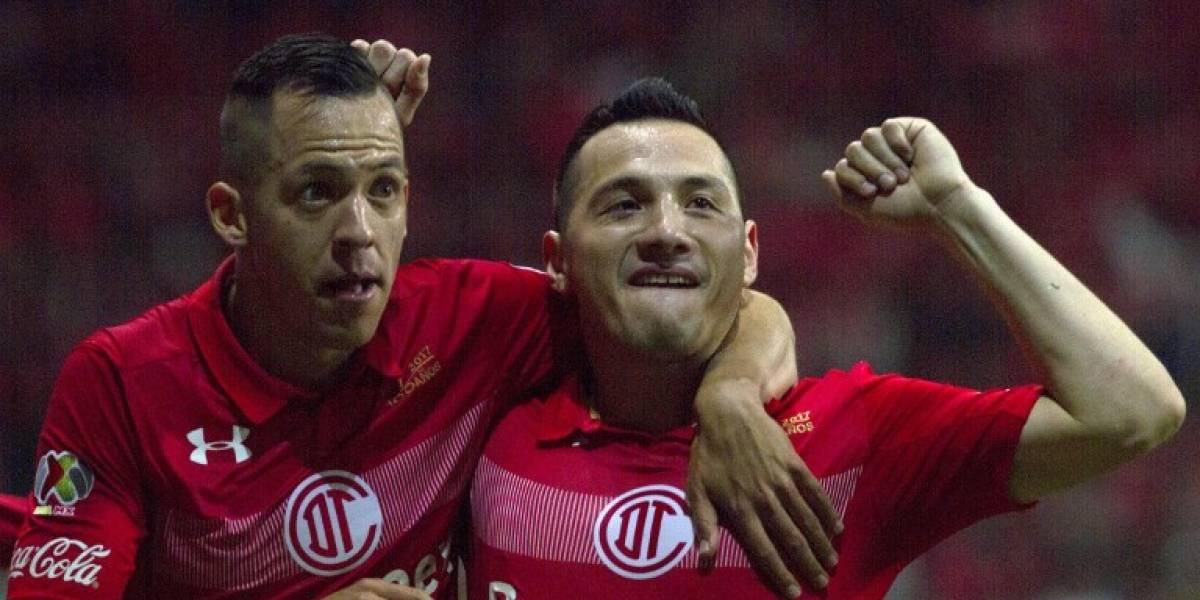 Osvaldo González y Eduardo Vargas se meten en semis del fútbol mexicano