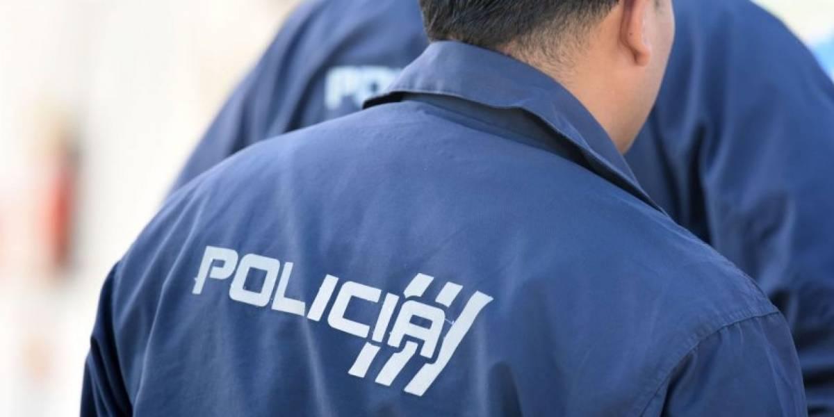 Policía se dispara en la ingle con su arma